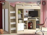 Children's bunk bed / desk combo .