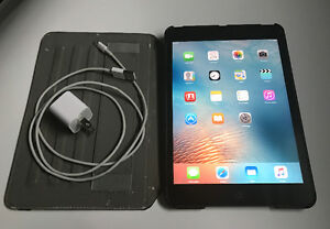 iPad Mini (Cellular) in Mint Condition w/ Charger + Case