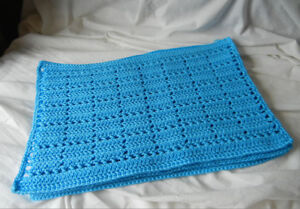 blue crocheted placemats (4)