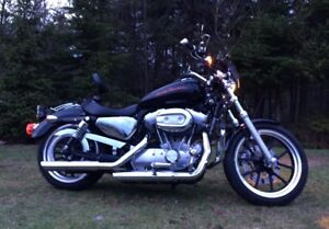 2012 Harley Davidson 883 XL Sporster for sale, under 5,000 kms!