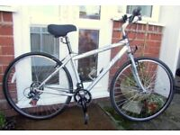 *APOLLO 21 SPD UNISEX HYBRID / TOWN BIKE - AS NEW - MINT!* PRICED FOR QUICK SALE!!