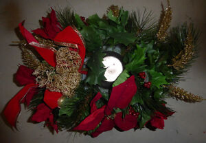 Lots and lots of fake green Christmas wreaths $ 5-$ 10 Kitchener / Waterloo Kitchener Area image 2
