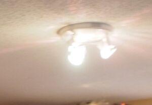 TRI-LIGHT CEILING LIGHT-WHITE Kitchener / Waterloo Kitchener Area image 2
