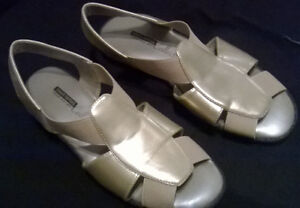 NEW Gold Tender Tootsie Sandal Size 8 m