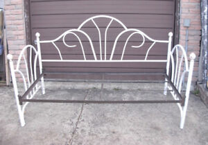 Used white Metal Single Day Bed with base to support a mattress