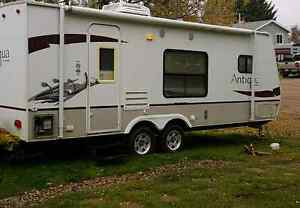 2008 26ft Starcraft Travel Trailer and 16ft boat