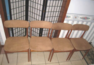 4 Mid-Century TEAK Chairs in great condition