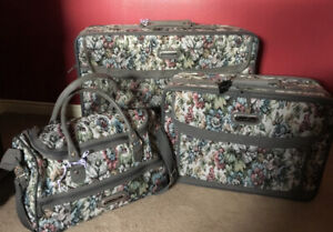 Vintage Oscar de la Renta Luggage Set - 3 pieces