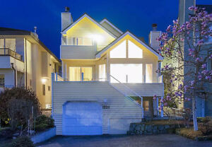 Luxury House in Central West Vancouver-Amazing View!