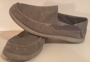 CROCS Santa Cruz 2 Luxe Grey Canvas Loafer Men's Shoes Sz 9 EUC