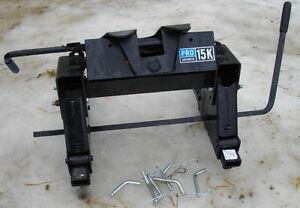 Reese 15K  slider fifth wheel hitch