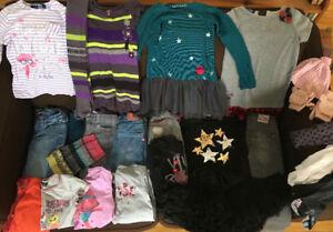 Beaucoup de beaux vêtements pour filles à vendre