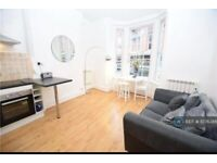 1 bedroom flat in Nottingham City, Nottingham, NG1 (1 bed) (#1078386)