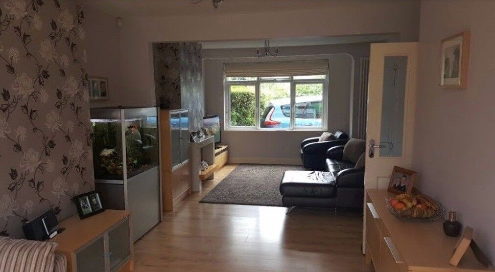 Beautiful spacious 3 bed semi-detached house to rent Enfield £1650 PCM