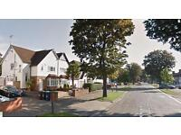3 bedroom house in Whitchurch Lane, Canons Park, Edgware