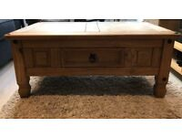 Wooden coffee table in very good condition