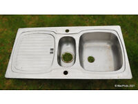 One and a Half Bowl sink with Drainer