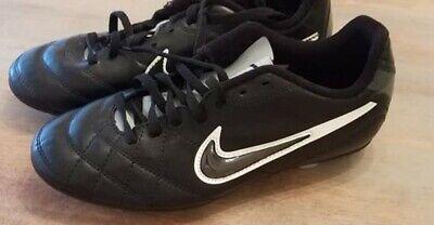 Boys Nike Soccer Cleats Size 4