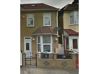 3 bedroom house in N17 6YQ Call Dee on 07526668099
