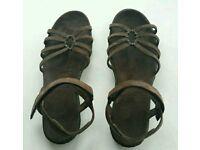 Teva Women's Kayenta Sandals Size 7/40 Brown Suede