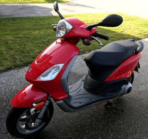 2005 Piaggio Fly 50-Mint!