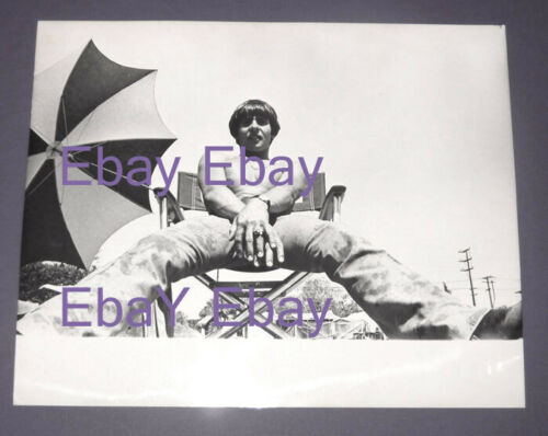 Vintage 1967 Raybert Original PHOTO-The MONKEES TV-Davy Jones on the set