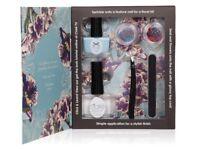 Coates flower manicure bad-a-boom gift set