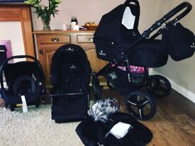 Venicci 3 in 1 travel system (with Maxi Cosi car seat!) *immaculate*