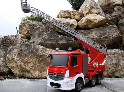RC 2,4 Ghz Feuerwehrauto MERCEDES-BENZ ANTOS Wasserspritze Drehleiter Lastwagen
