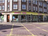 TO LET: RETAIL PREMISES IN HIGH STREET LOCATION AT INTERSECTION OF THREE MAIN ROADS