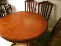 Solid pine wood dining table extendable with 4 chairs