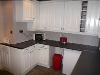 Single room in a newly refubrished house. Low price