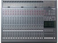 Mackie 24/8 Channel 8 Bus Analogue Mixer