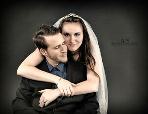 PHOTOGRAPHER - Portrait, Headshots, Couples, Engagement, Bridal Windsor Region Ontario image 6
