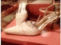 Wedding shoes ivory size 7
