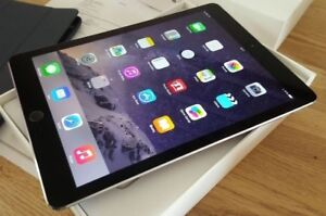Mint condition ipad Air 32gb box and accessories