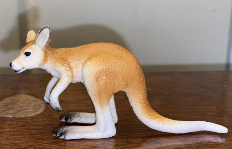 schleich kangaroo RETIRED 2009
