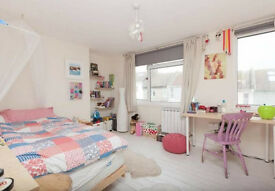 Double Bedroom available in shared house - 2/3 months only