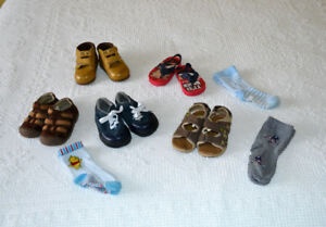 Baby Shoes, size 3 and 4, $1.00 per pair