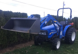 New Holland Workmaster 40 Tractor with Loader Model 4x4,