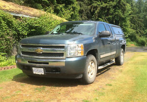 2009 Chevy Silverado LT 4x4 low 83000kms