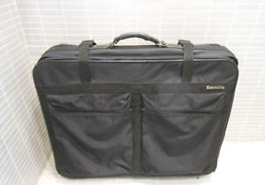 BIG SAMSONITE 4 WHEELS LUGGAGE BAG