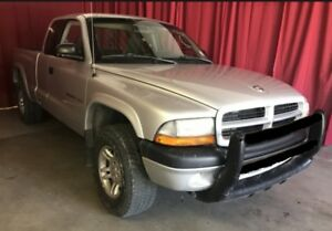2002 Dodge Dakota Sport Club Cab 4WD LOW KMS