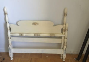 Vintage Twin Size 4-Poster Bed Frame, solid wood, new paint