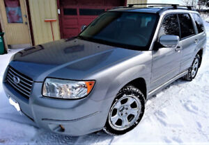 FORESTER AWD LIMITED  LEATHER ROOF AUTO  GREAT CAR