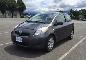 2009 Toyota Yaris Hatchback LOW KM'S