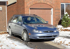 1999 Ford Taurus Wagon - 1 OWNER - 92,000 KLMS