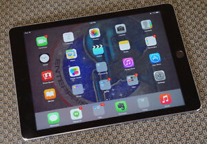 Apple iPad Air 2 With 16 GB Memory And Charger!