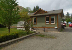 3 Bedroom home WESTSYDE with heated shed and yard 2200+utils