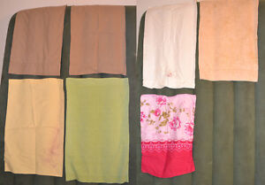 6 oreillers avec taies d'oreillers. 6 pillows with pillow cases.